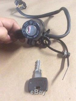 02 Triumph Daytona 955i Lockset Cap, Seat Lock, Ignition Set