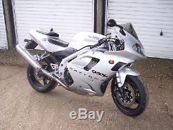 2001 Triumph 955i Silver