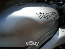 TRIUMPH DAYTONA 955i 2001 17K MOT HPI CLEAR SUPERB CONDITION STANDARD UNMOLESTED