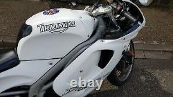 Triump Daytona 955i