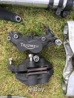 Triumph 955i daytona forks brakes fender calipers hose yoke handlebars