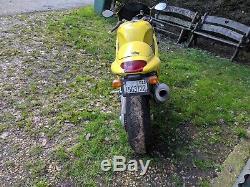 Triumph Daytona 955i Genuine Barn find, Easy Project. READ DESCRIPTION FULLY