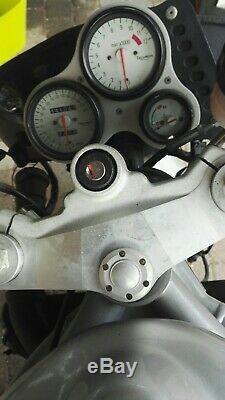 Triumph Daytona 955i Silver 2000 + personal reg