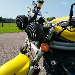 Triumph Daytona 955i Speed Triple style