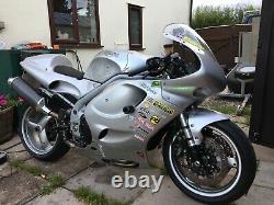 Triumph Daytona 955i track bike
