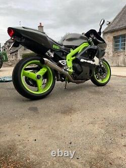 Triumph Daytona 955i triple injection spares or repairs