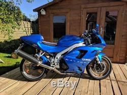Triumph daytona 955i 2001 caspian blue