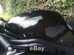 Triumph daytona 955i 2006 black