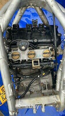 Triumph daytona 955i engine