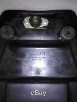 Triumph daytona 955i/speed triple t509 rear seat cowl/cover/hump 2001-06