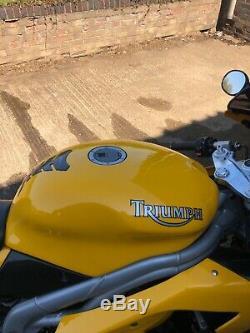 Triumph daytona 955i/ swap bobber